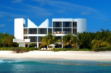 Altamer villa in Anguilla by architect Myron Goldfinger
