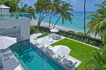 Beachfront villa in Barbados designed by architect Jeremy Gunn