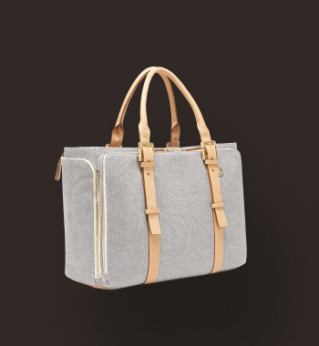 Travel tote by India Hicks