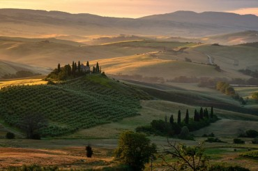 View of the rolling hills in Tuscany an early morning