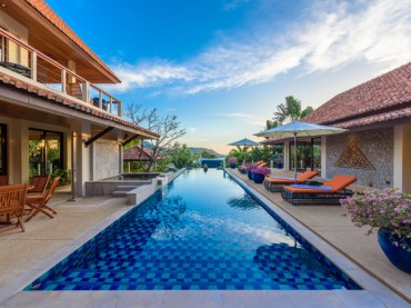 Gorgeous pool, Phuket villa