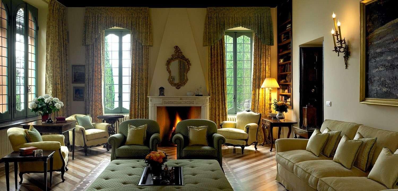 The formal lounge, Villa Cassinella
