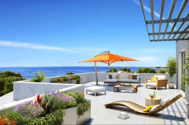 Penthouse terrace overlooking the Mediterranean in Meze Languedoc
