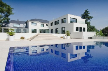 Grand luxury villa in La Moraleja Madrid