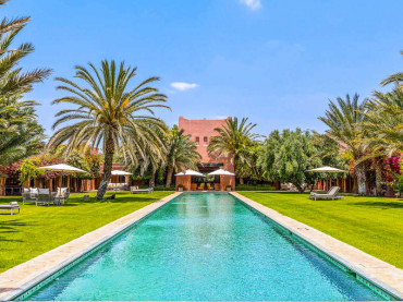 Marrakech villa rental with a very large pool